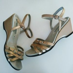 Mephisto Leather Wedge Strappy Sandal Sz 7